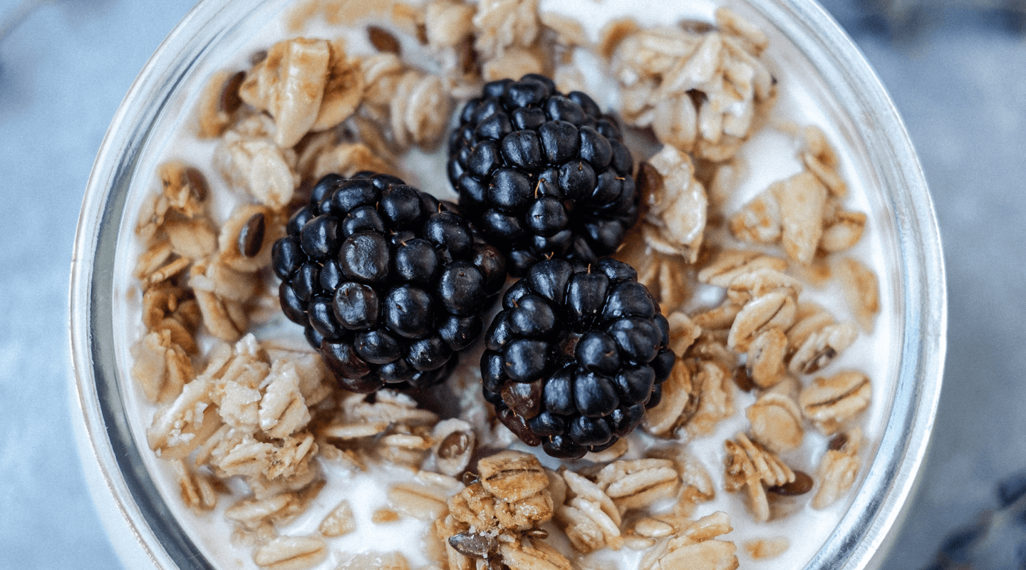 Breakfast cereal with blackberries